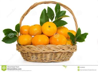 mandarin-orange-fruit-wicker-basket-fruits-leafs-white-background-35288089