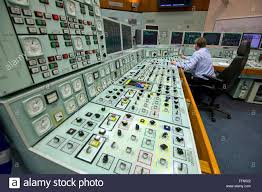 Control room and reactor shut-down switch in Hinkley Point B ...